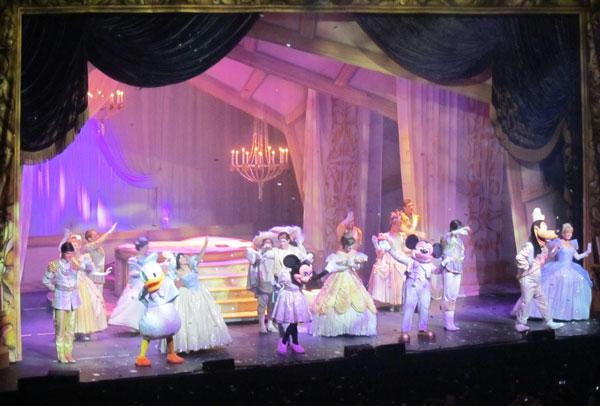 Disney Live Three Classic Fairy Tales - three princesses