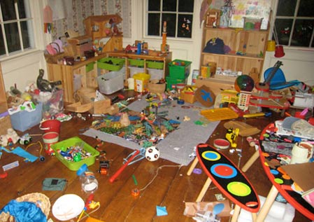 Kids Clutter - 10 Ways to Knock it Out