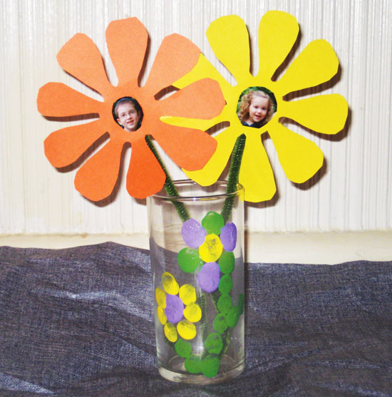 Easy kids craft finger print vase and photo paper flower north finger print vase and photo flowers mightylinksfo