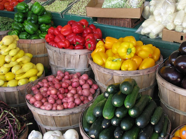 Summer Guide to Local Farmers Markets
