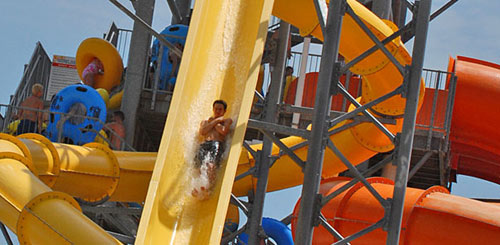 Hawaiian Falls Waco - Flyin Hawaiian and Monsoon