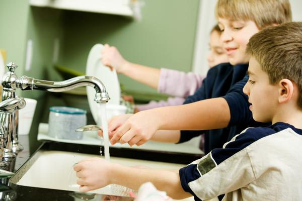 Kids and Chores - Washing Dishes