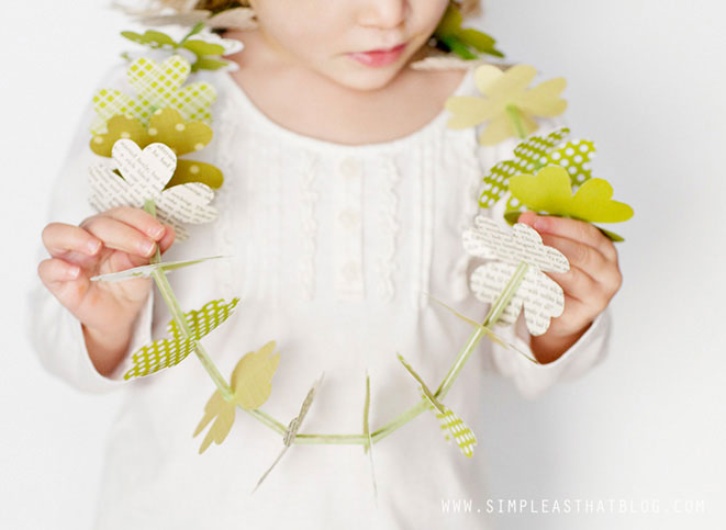 Clover leaf Crafts - St Patrick's Day Crafts - Clover Leaf Lei