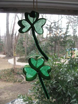 shamrock Crafts - St Patrick's Day Crafts - Shamrock Sun Catcher