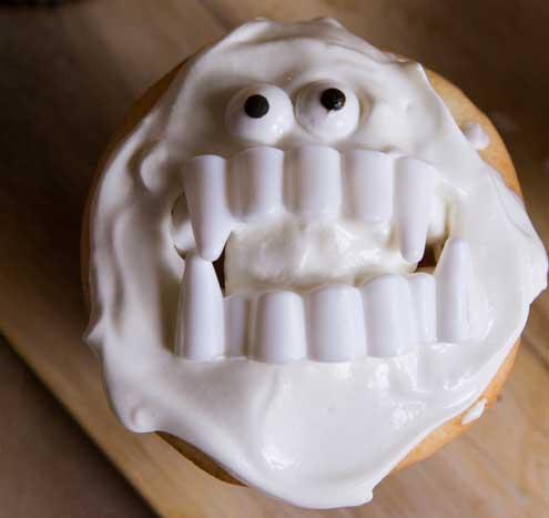 Halloween snacks - Yeti Cupcakes - North Texas Kids Magazine