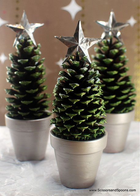 Winter Holiday Crafts - Pinecone Christmas Trees