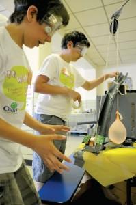 Sciene experiment kids
